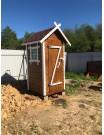 Деревянный туалет ДТ-4 с окном и кровлей
